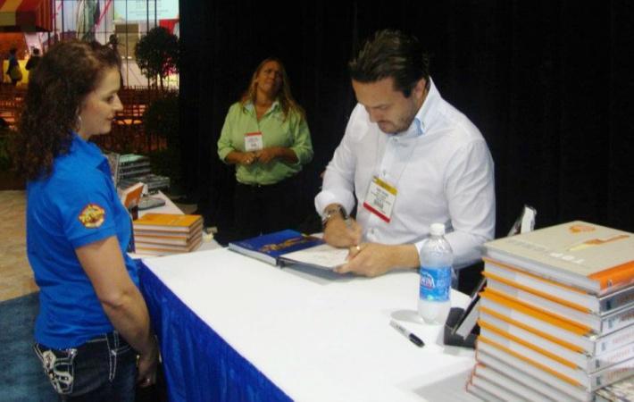 Fabio signing book